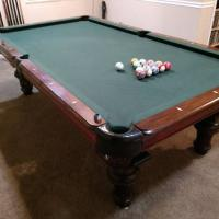 8' pool table Green Felt